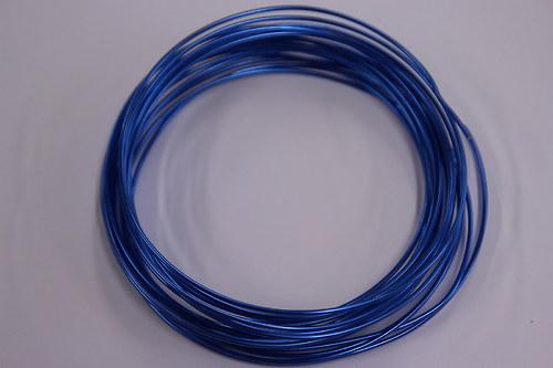 Hliníkový drátek 1,5mm tm.modrý - v návinu 6m