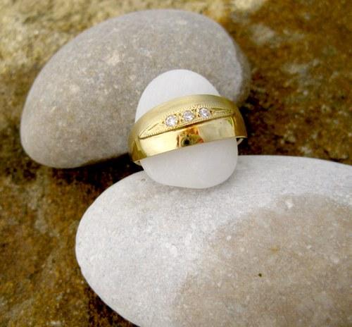 Zlatý prsten matovaný