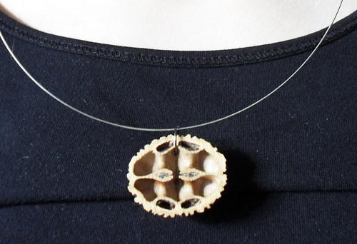 Přírodní ořechový náhrdelník