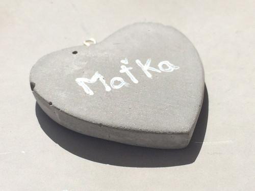 Betónový náhrdelník, přívěsek Heart s menom