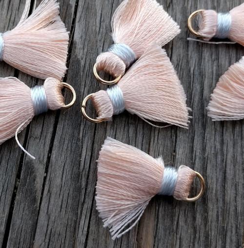 Luxusní ozdobné střapce - lososové, 2 kusy