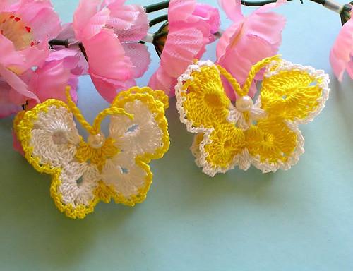 Háčkovaný motýlek - 2ks -  neškrobený,žlutý