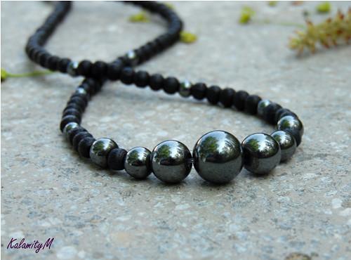 Stříbrňák - náhrdelník z hematitu
