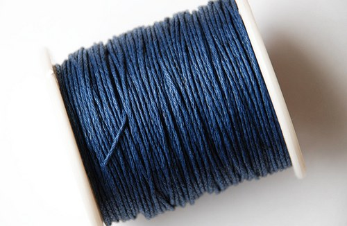 voskovaná šňůrka 10m- tmavě modrá