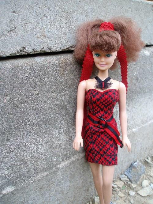 Červeno-černá romantika - Barbie