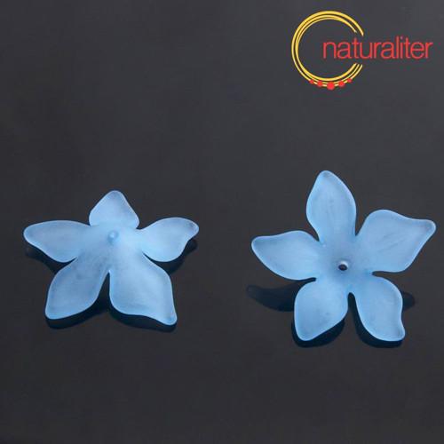 Květina akrylová - lilie 27mm bledě modrá, 4ks