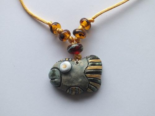 Keramický šperk -ryba