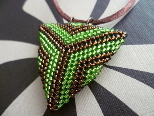 trojúhelník hnědo-zelený