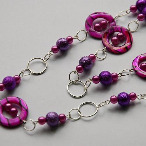 Fialový dlouhý náhrdelník