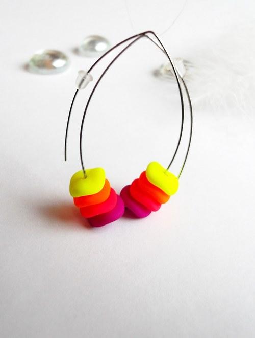 Světlušky na vlně neonů – žlutorůžové
