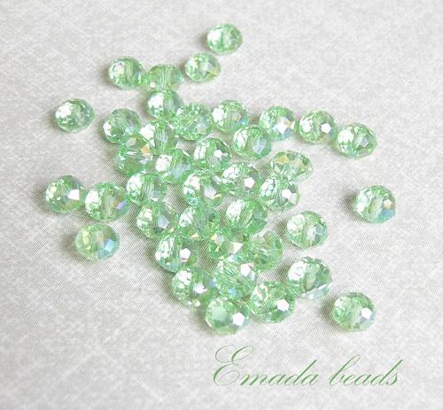 Broušené rondelky, světle zelená 0,5 x 0,4 cm