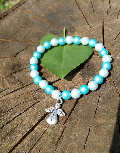 Dětský náramek z voskovaných perel, na přání