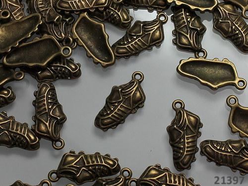21397 Vintage přívěšek bronz KOPAČKY, bal. 2ks