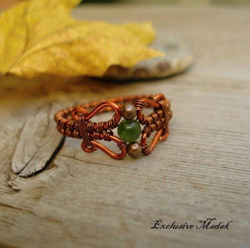 Helénn ....... měděný prsten s jadeitem