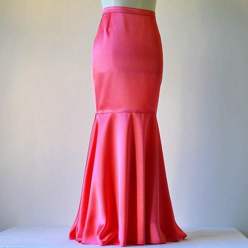 Saténová sukně korálově červená (sleva z 1279,-Kč)