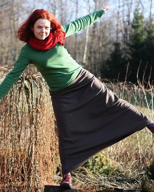 kalhoty/ sukně jednoduché  v jakékoliv barvě