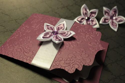 Svadobné oznámenie - ornamentové bordové s kvietom