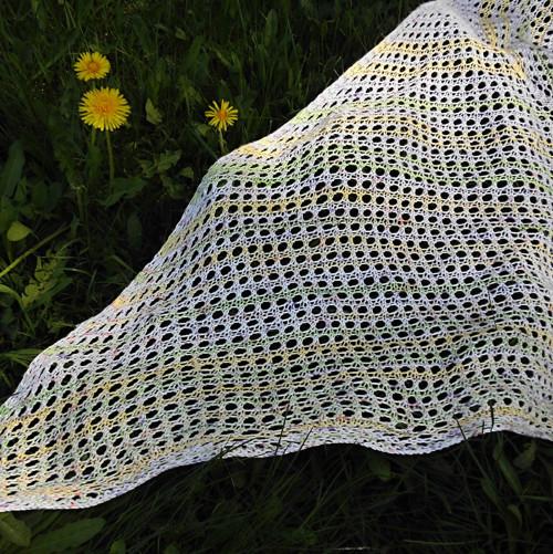 Slunko zapletené v pavučince..., pléd krajkový