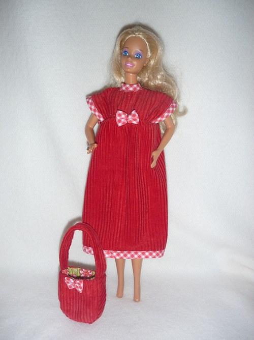 Manžestrové šaty a kabelka pro panenku Barbie