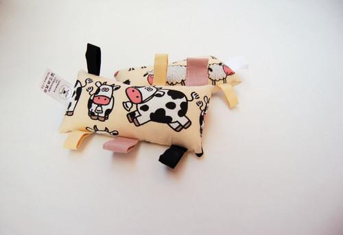 Montessori úchopový polštářek - ovečka/kravička
