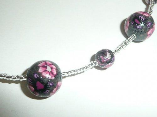 Rozkvetlý náhrdelník