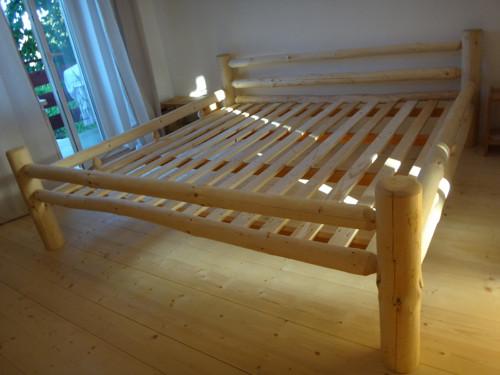 Srubová manželská postel velká
