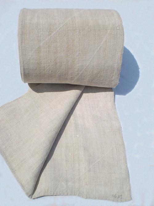 Konopná ručně tkaná látka ze starodávné  truhly...