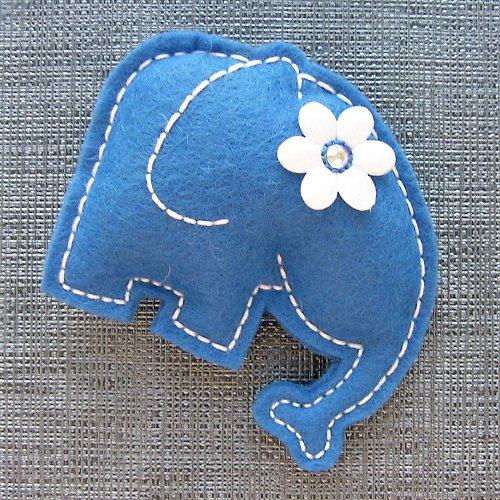 Modrá slonice Květa
