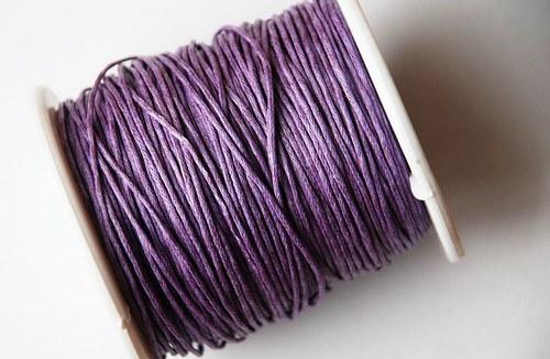 voskovaná šňůrka 10m- světle fialová