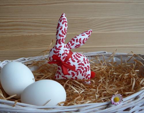 Zajíček - bíločervené lístečky, červená mašle