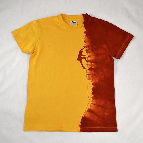 Žluto-vínové dětské tričko s horolezcem (10 let)
