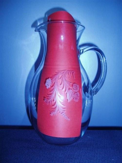 džbán objem 1,5 l s pískovaným obtiskem