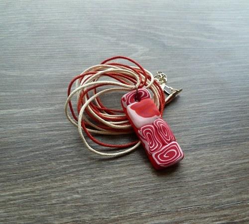 Červeno-bílý náhrdelník