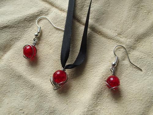 Korálky 25 - náušnice + náhrdelník