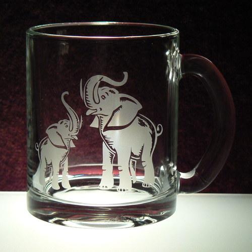 Hrnek se slony