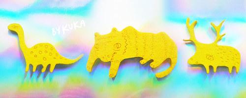 zakrslý jeleň - žlutý