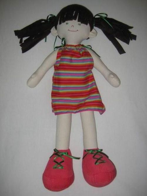 Panenka s dlouhýma nohama
