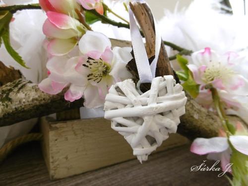 dekorační proutěné srdíčko