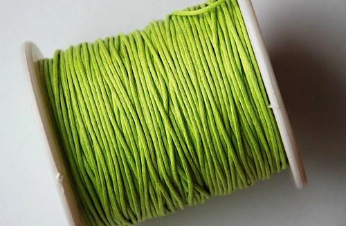 voskovaná šňůrka 10m- světle zelená