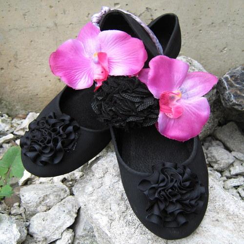 Náhrdelník z Orchideí
