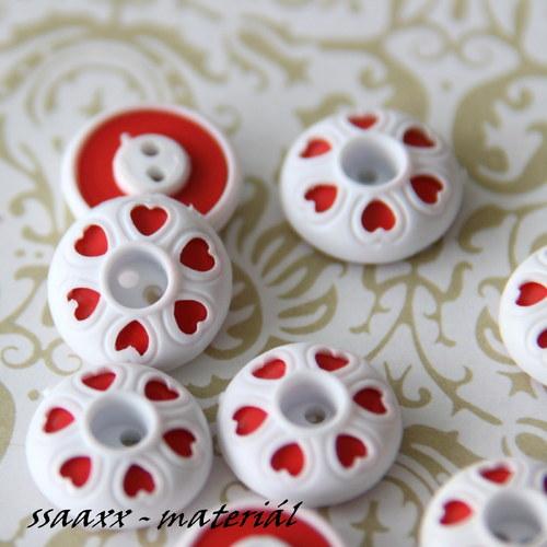 Knoflík se srdíčky - bílá/červená