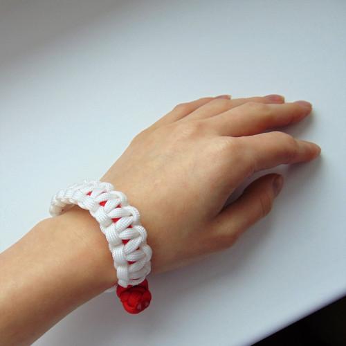 Náramek z paracordu - červeno bílá