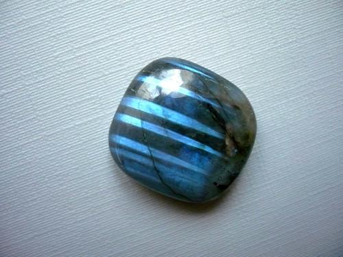 Kabošon - labradorit modrý 20 mm, č.276