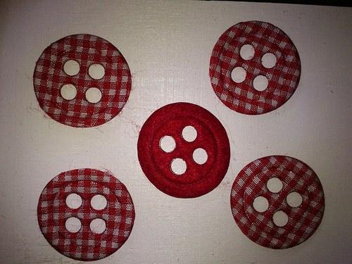 filcové knoflíky  3 cm - červenobílé
