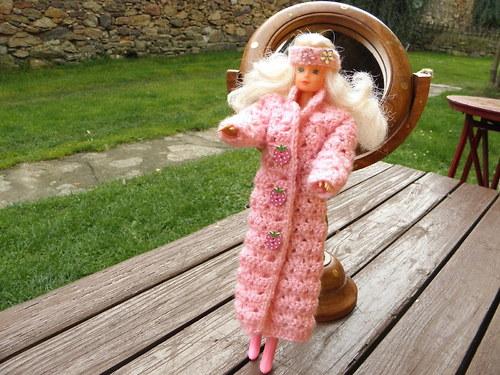Maxi kabát pro Barbie s čepičkou a čelenkou