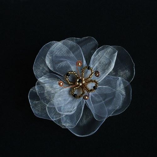 Něžná pavučinková  s perlami z Persie ....