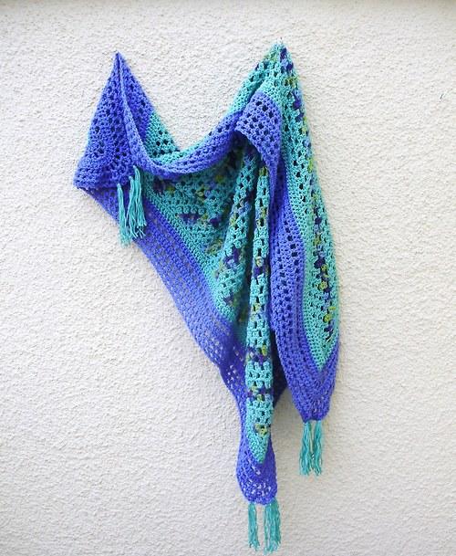 Háčkovaný šátek/pléd - s ručně barvenou vlnou