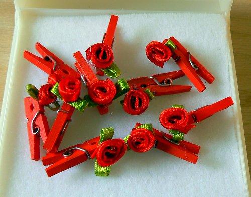 Kolíček s růžičkou