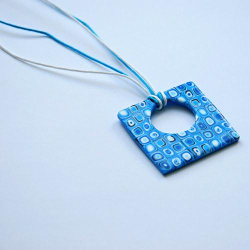 Modrý náhrdelník z fima