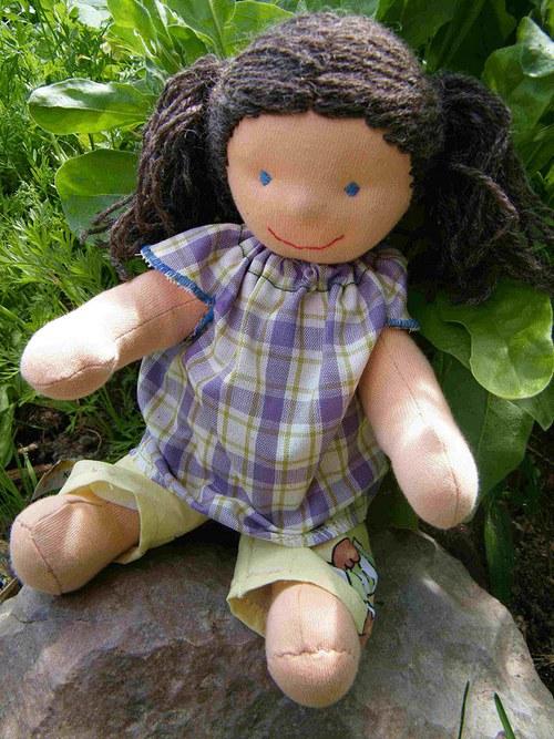 Malá oblékací panenka 35 cm